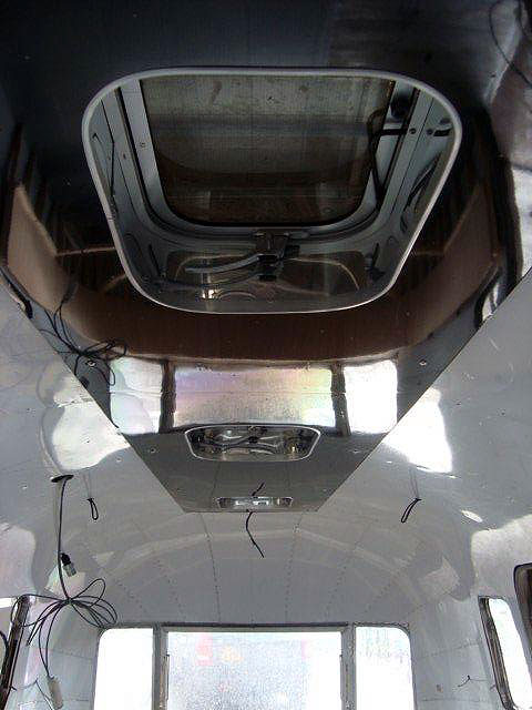 Airstream roof hatches