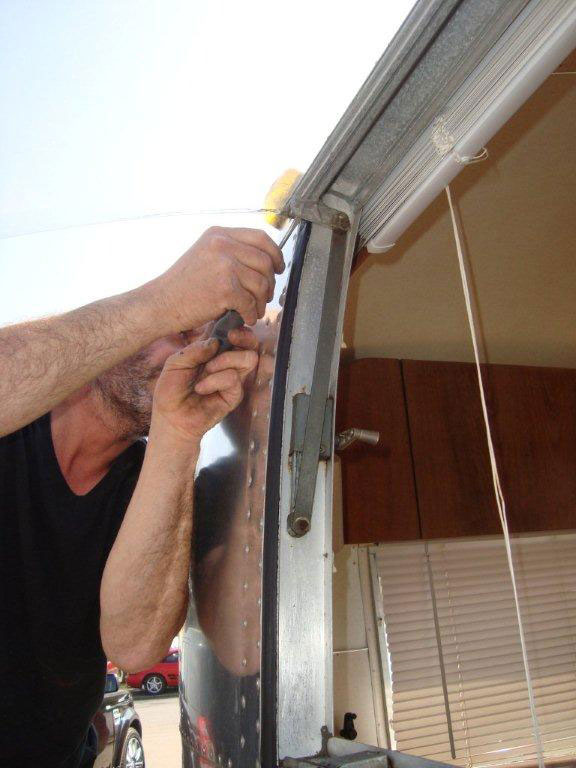 airstream window fitting