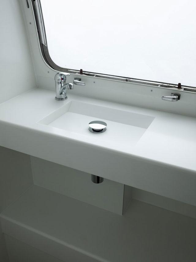 minimalist airstream