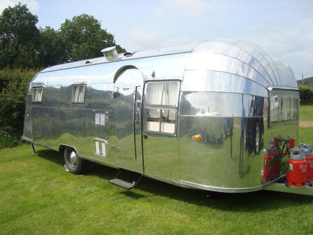 Whaletail Airstream