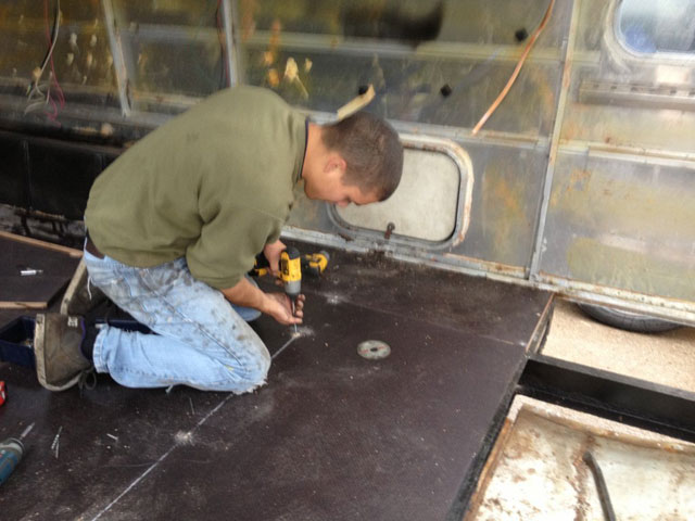 will works on the airstream bar floor
