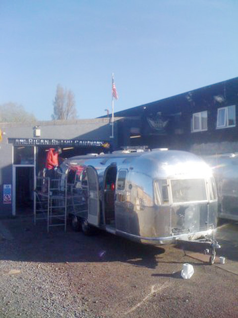 Polishing the Airstream Zilverline